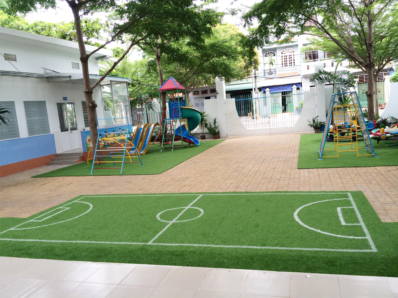 Sân trường Viet Han 1